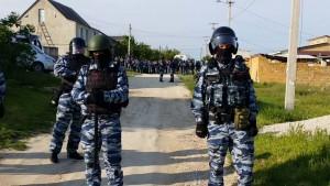 Массовые обыски и аресты татар в Крыму.