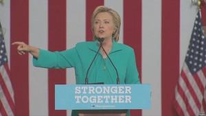 Клинтон обеспокоена угрозой вмешательства России в выборы в США